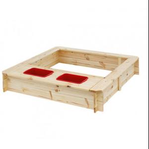 Песочница деревянная с контейнерами для воды