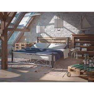 Двуспальная кровать Нарцисс на деревянных ногах